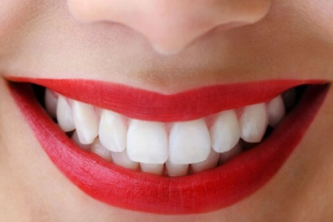 Everyone want crystal clear teeth for that we have 7 Ways for Natural Teeth Whitening which work more efficiently