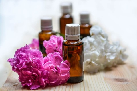 Introduction to Essential Oils and How to Use Them